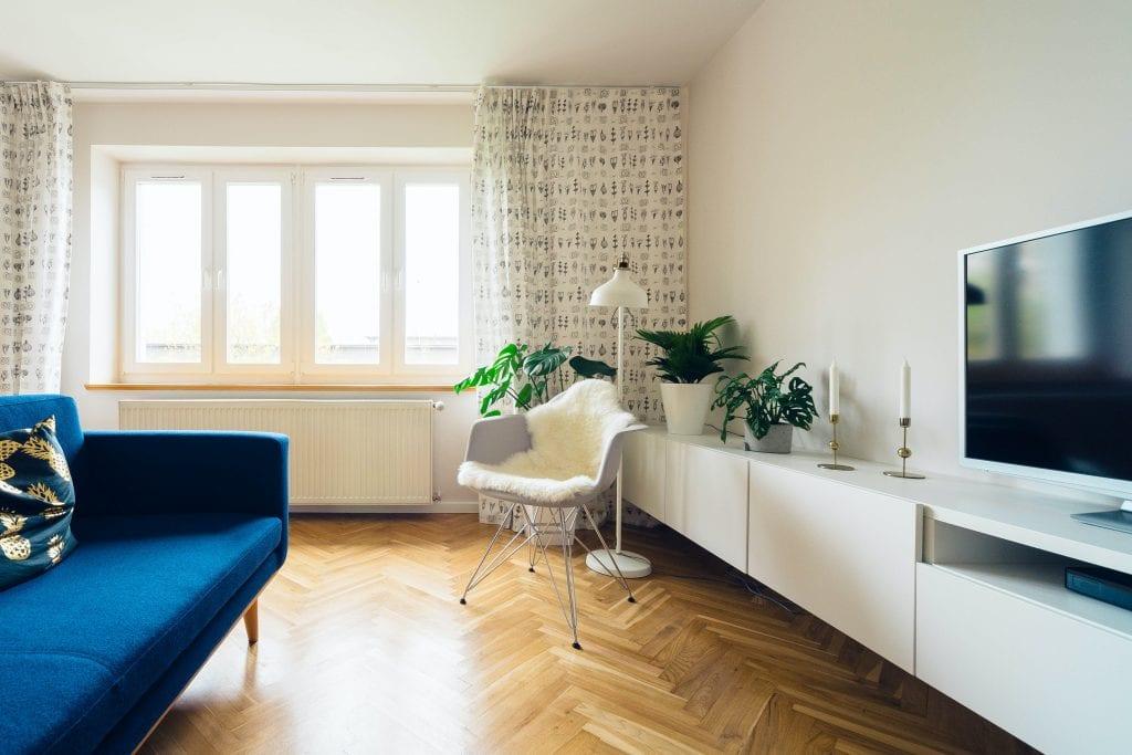 Простая планировка гостиной в однушке
